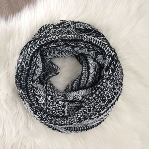 Jess Knitted Infinity Scarf